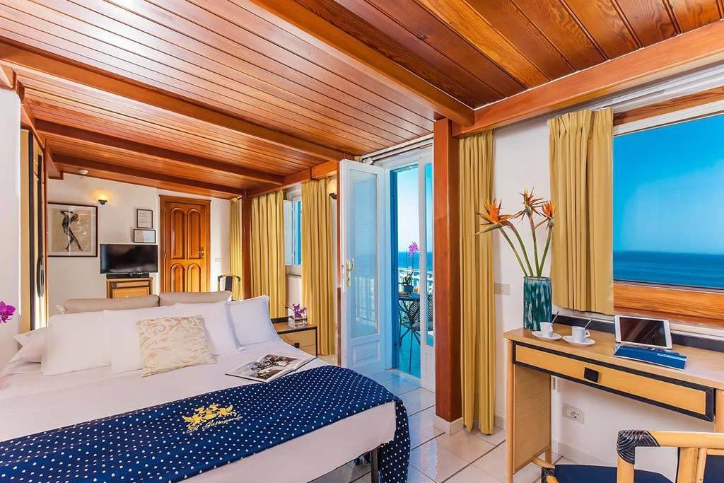 Hotel Il Gattopardo Ischia. Torremayor Hotel. Caribbean Resort. Metropark Hotel. Apartment Caspar. Sea And Breeze Hotel And Condo. Guesthouse Epohes. Twin Quays Noosa Hotel. ASURE AT Eden Park Motel