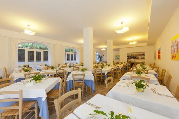 Hotel-terme-Letizia-ischia-porto-sala-ristornate