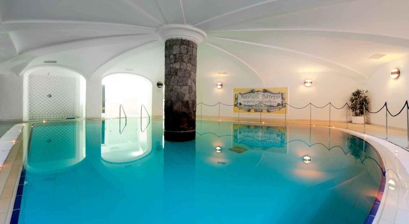 hotelvillasvizzeraischia14