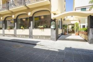 hotel_terme_bristol_ischia_porto_centro_esterno