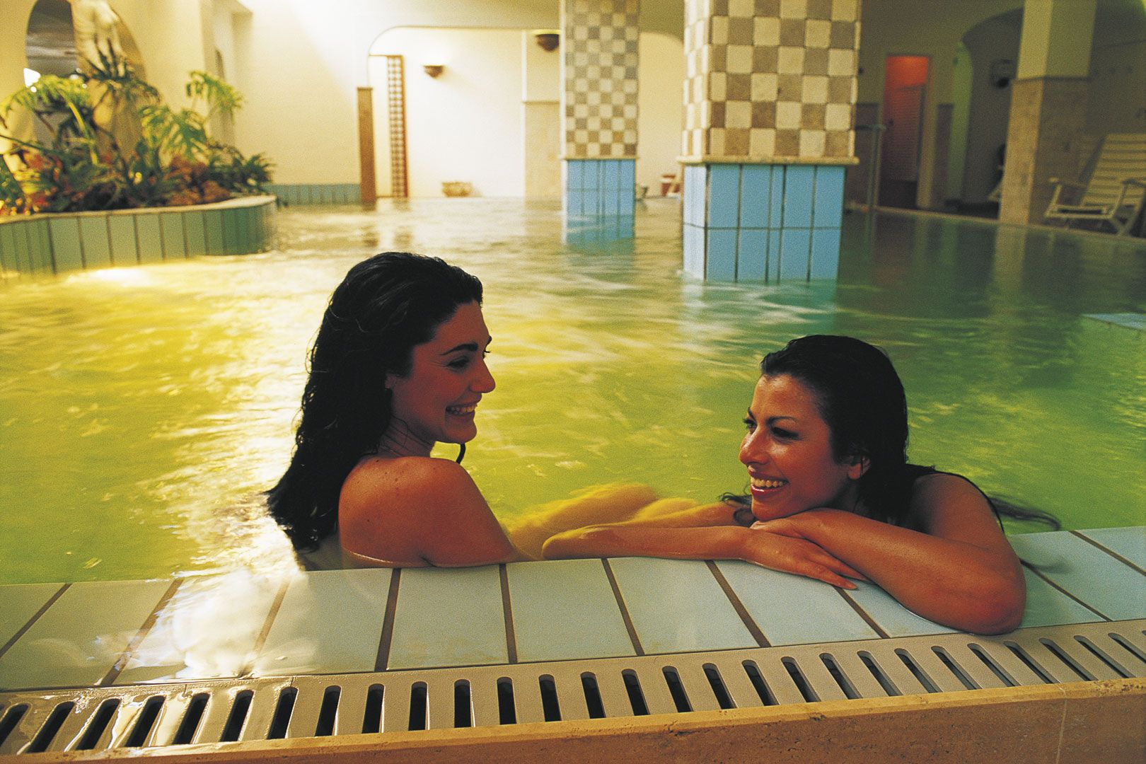 Hotel-Ischia-Grand-Hotel-Terme-di-Augusto-terme-piscina-2