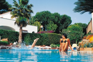 Hotel-Ischia-Grand-Hotel-Terme-di-Augusto-terme-piscina-esterna