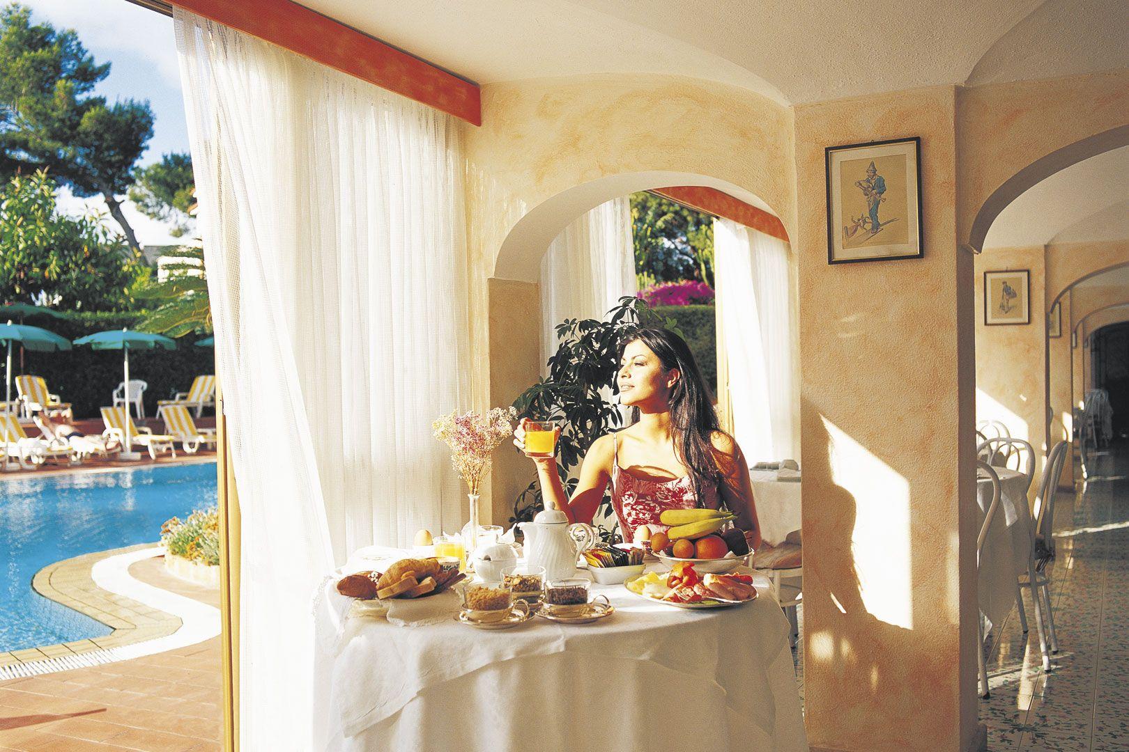 Hotel-Ischia-Grand-Hotel-Terme-di-Augusto-terme-ristorante