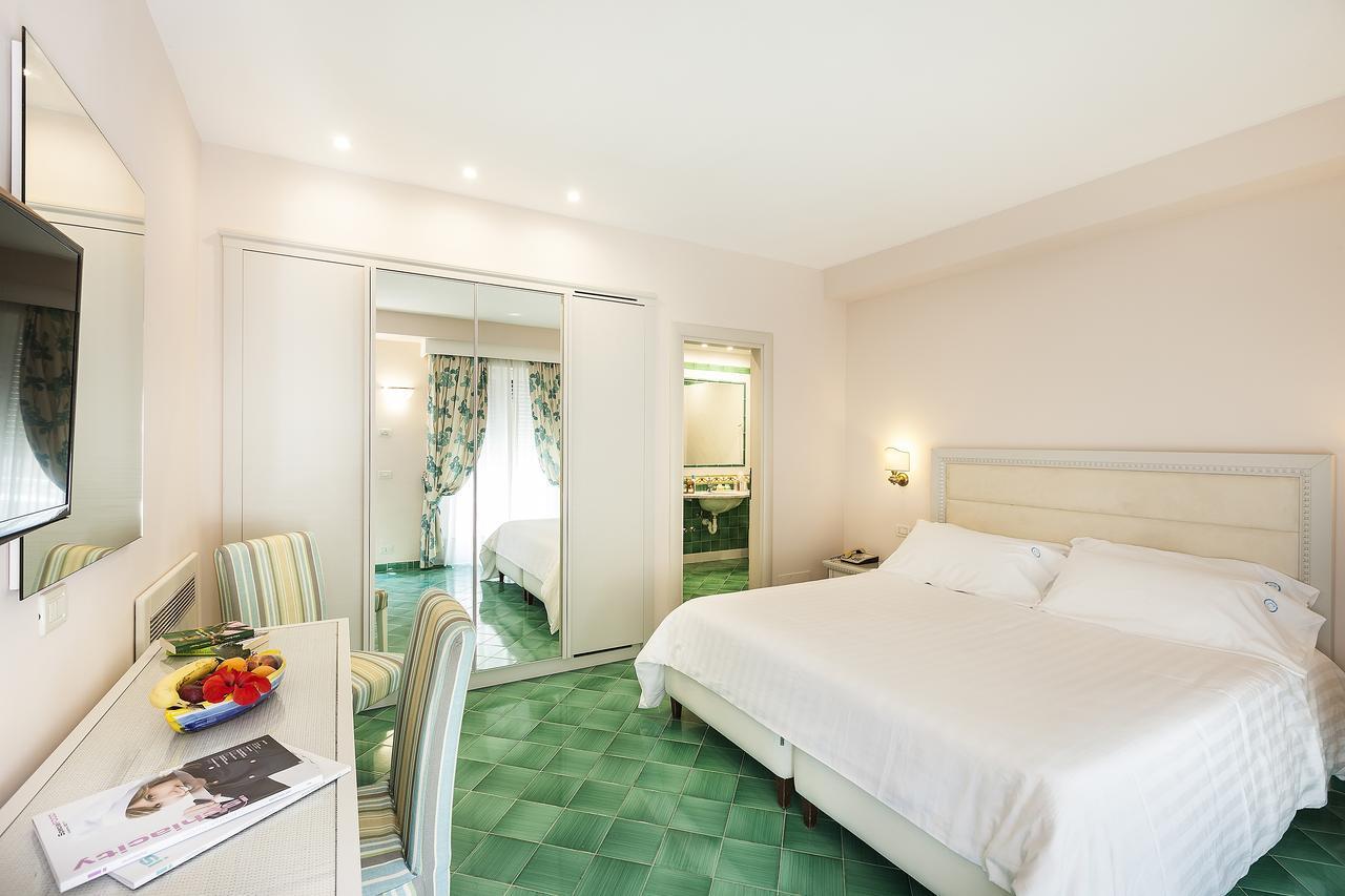 hotel-continental-terme-ischia-camera-2