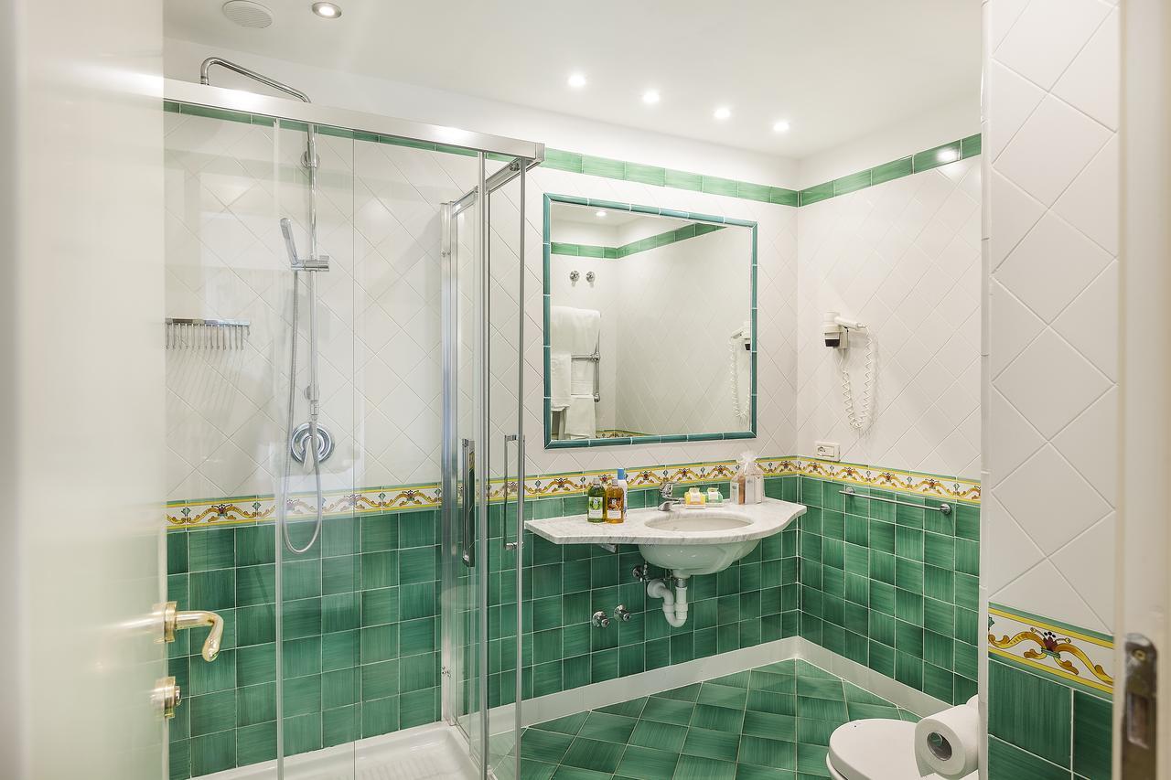 hotel-continental-terme-ischia-camera-bagno-1