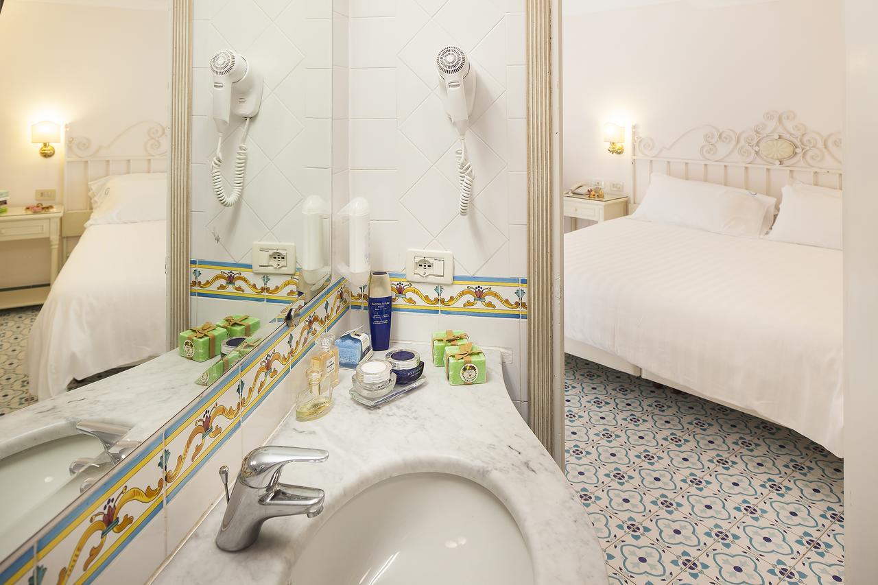hotel-continental-terme-ischia-camera-bagno