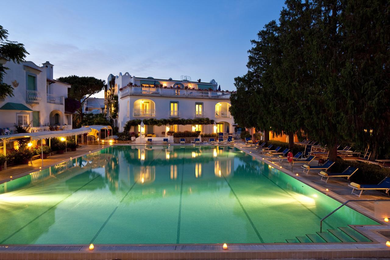 hotel-continental-terme-ischia-piscina-esterna