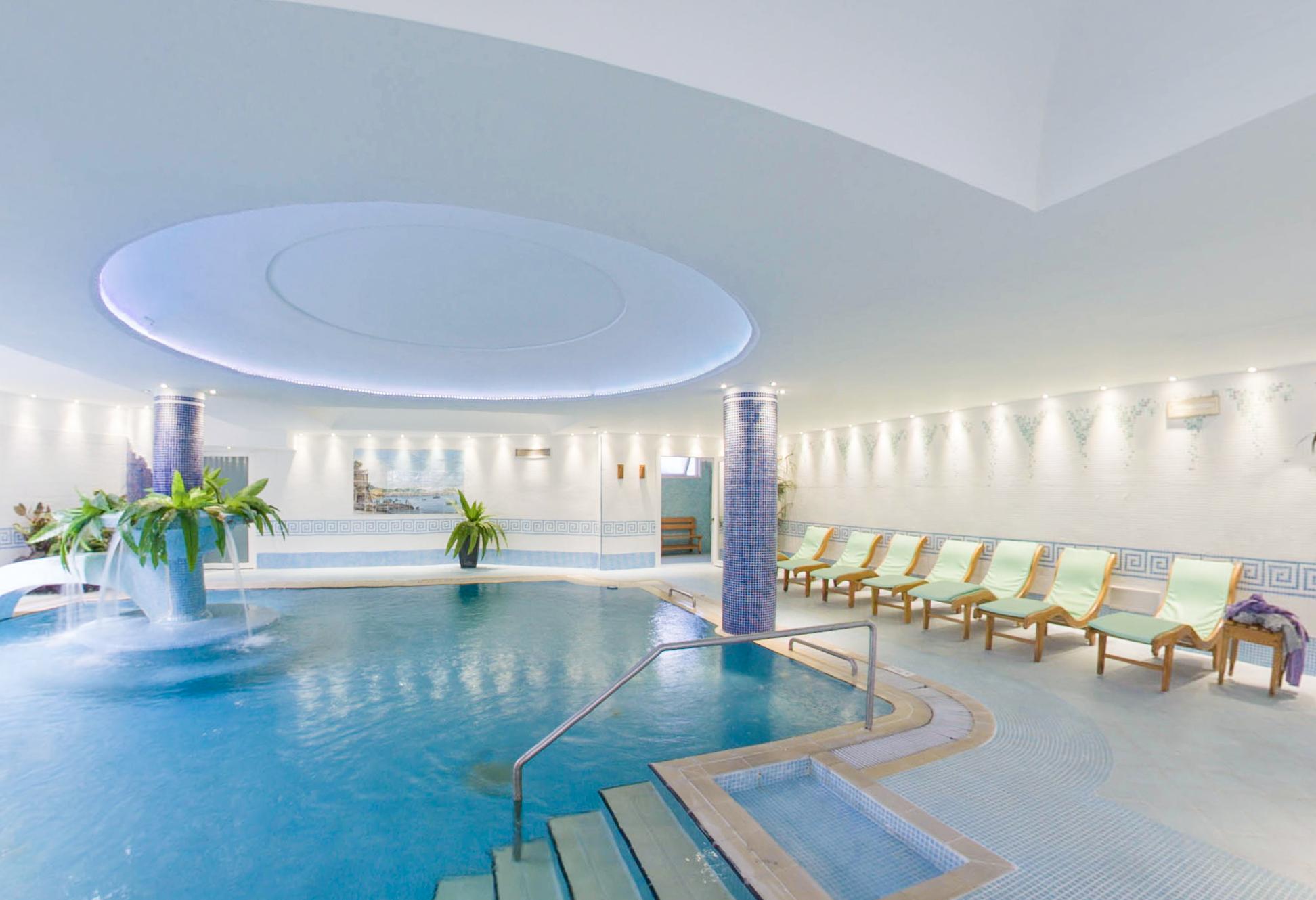 hotel-continental-terme-ischia-piscina-interna_