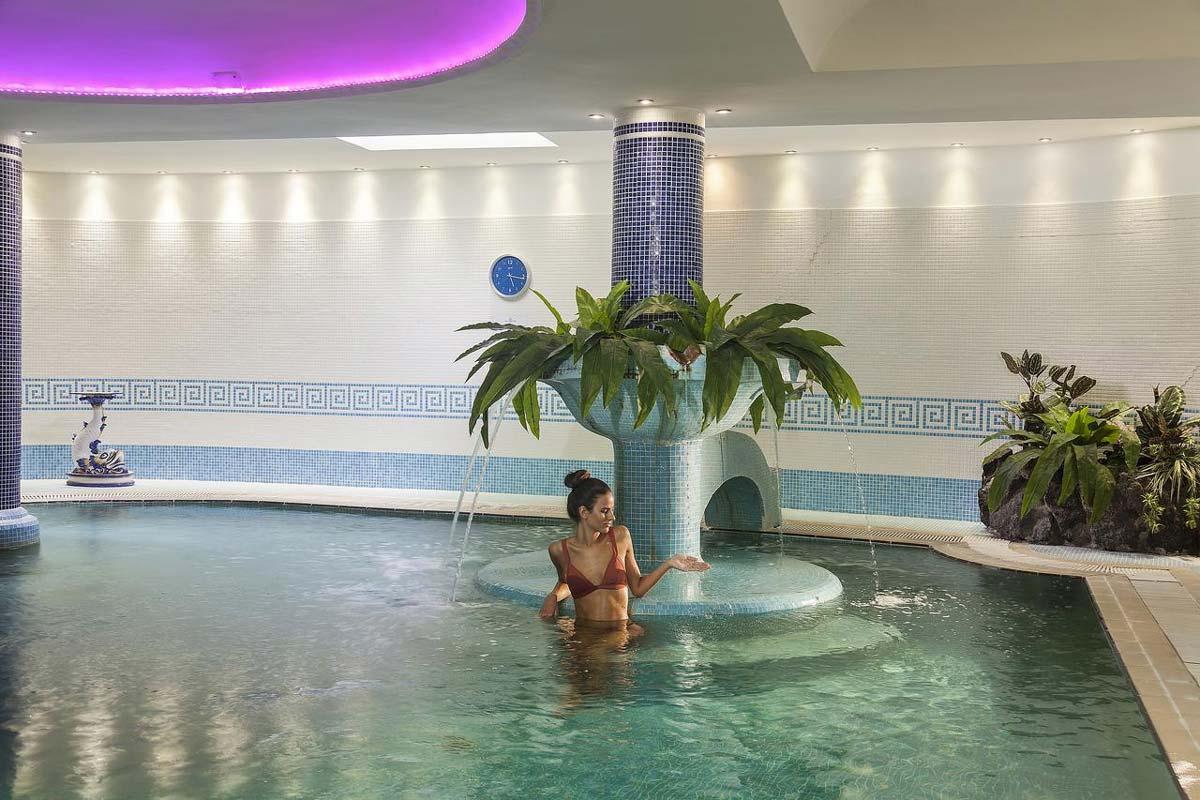hotel-continental-terme-ischia-piscina-interna