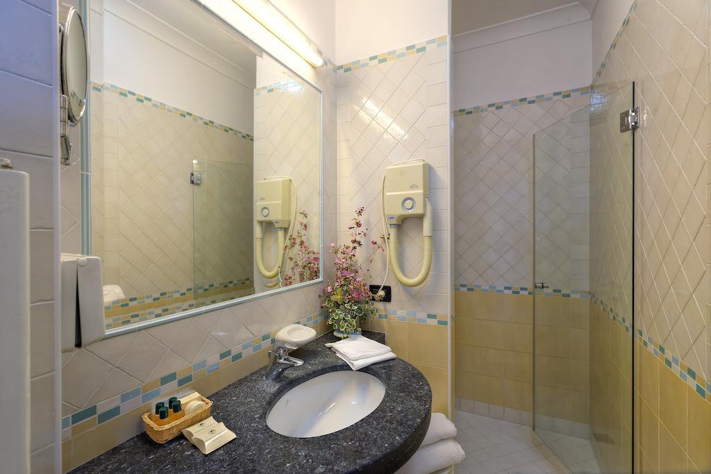 hotel-le-querce-terme-ischia-bagno-1