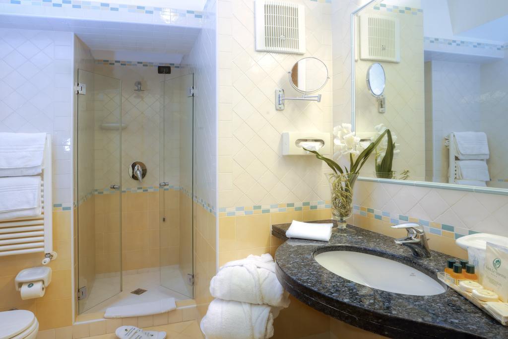 hotel-le-querce-terme-ischia-bagno