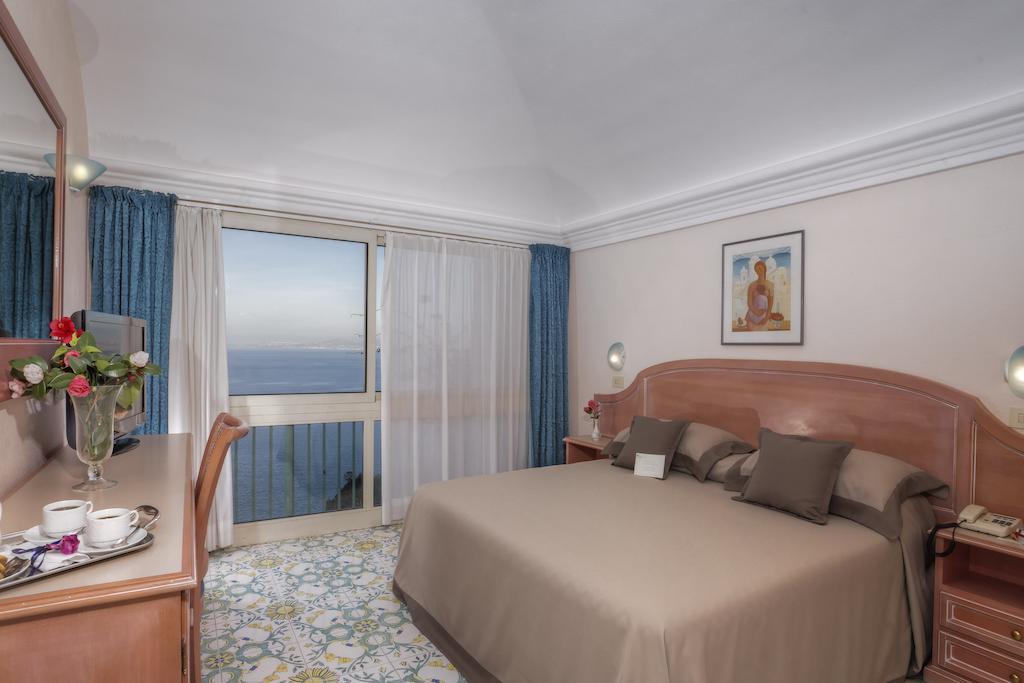 hotel-le-querce-terme-ischia-camera-1
