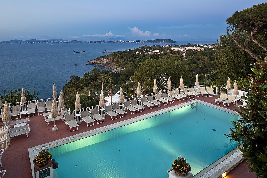 hotel-le-querce-terme-ischia-piscina-1