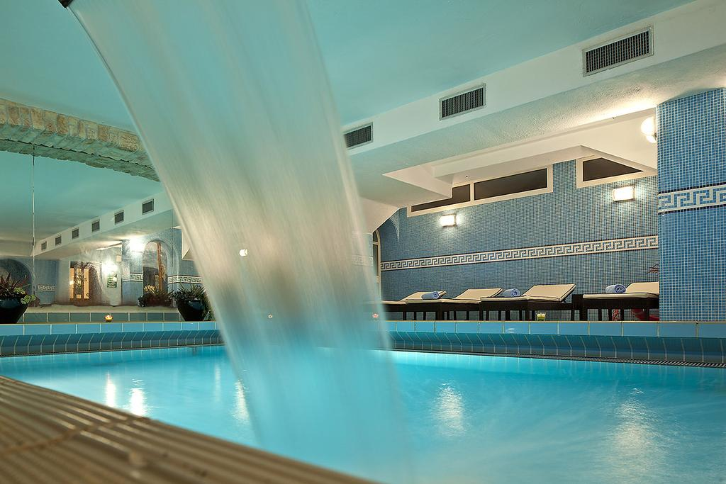hotel-le-querce-terme-ischia-piscina-interna-3