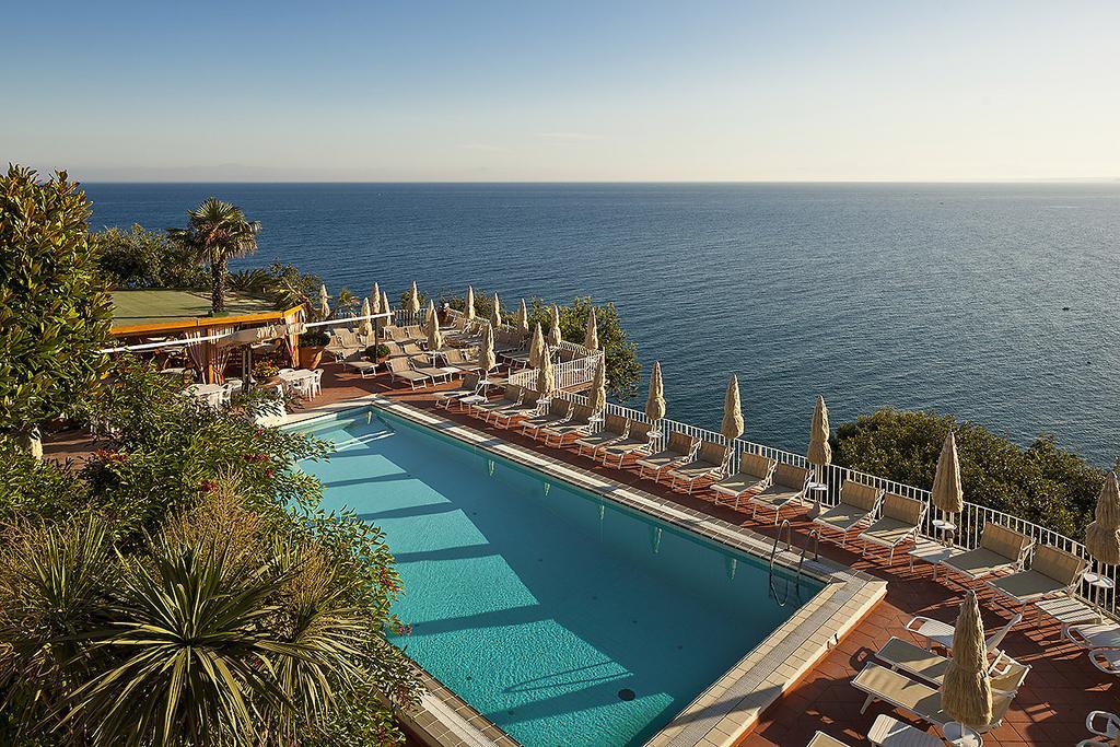 hotel-le-querce-terme-ischia-piscina