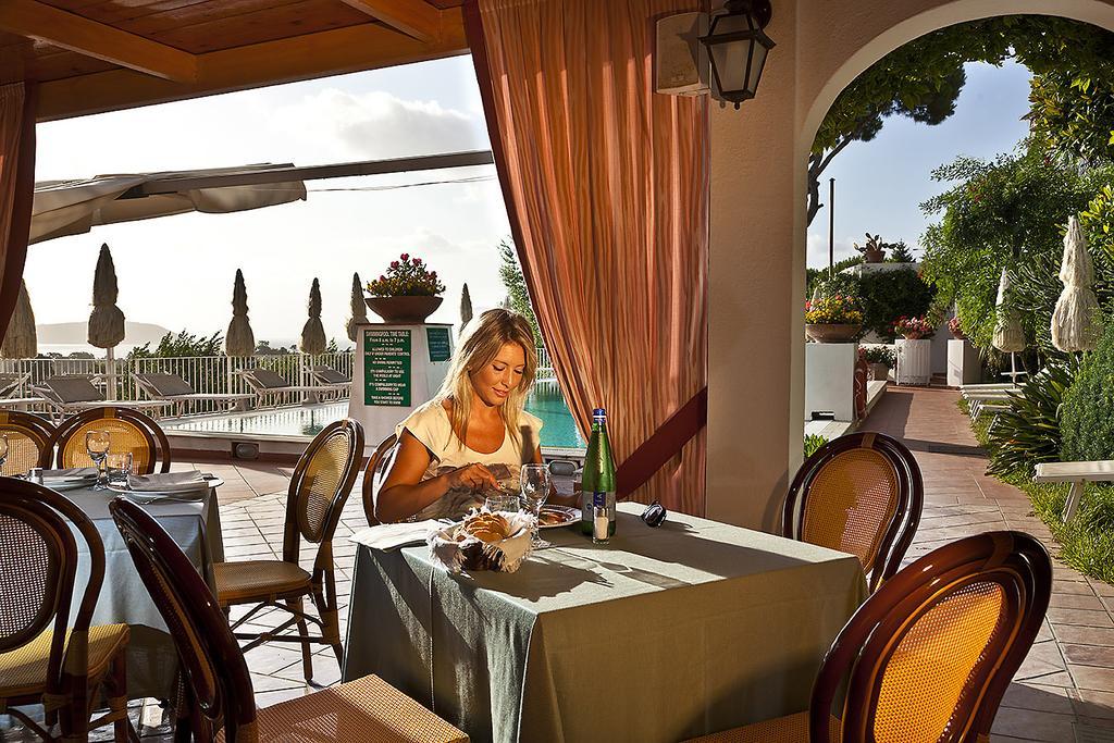 hotel-le-querce-terme-ischia-pranzo