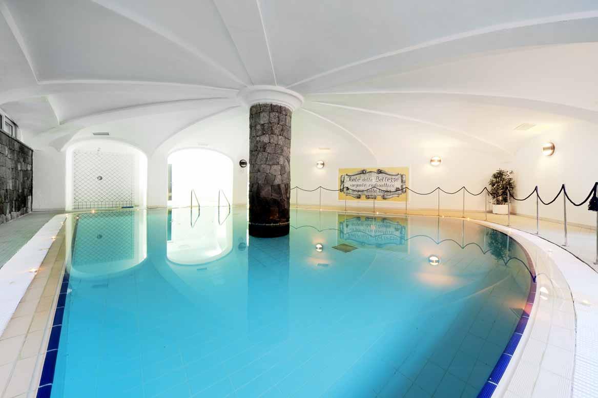 hotel-terme-villa-svizzera-lacco-ameno-ischia-piscina-coperta