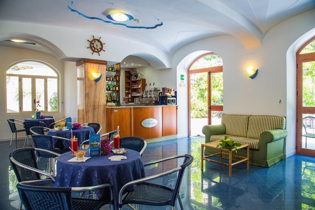 hotel-la-madorla-ischia-maronti-bar