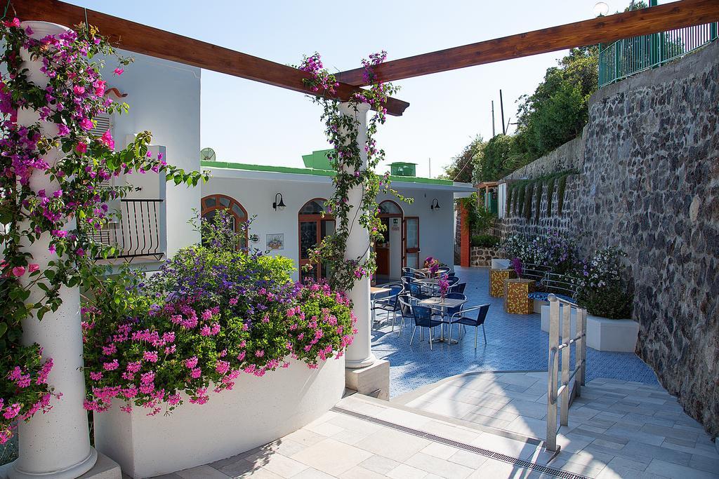 hotel-la-madorla-ischia-maronti-esterni