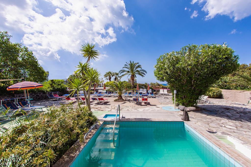 hotel-la-madorla-ischia-maronti-piscina-1