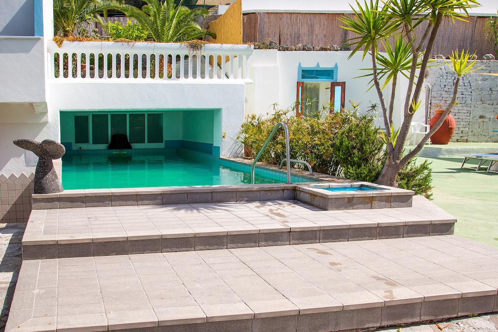 hotel-la-madorla-ischia-maronti-piscina-2