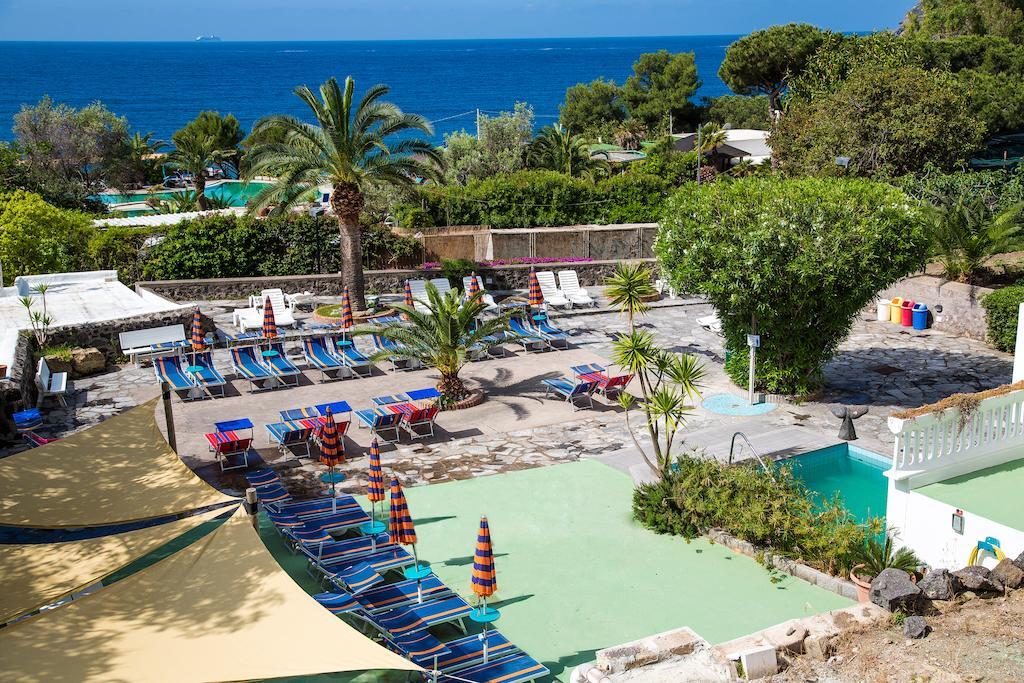 hotel-la-madorla-ischia-maronti-piscine-mare