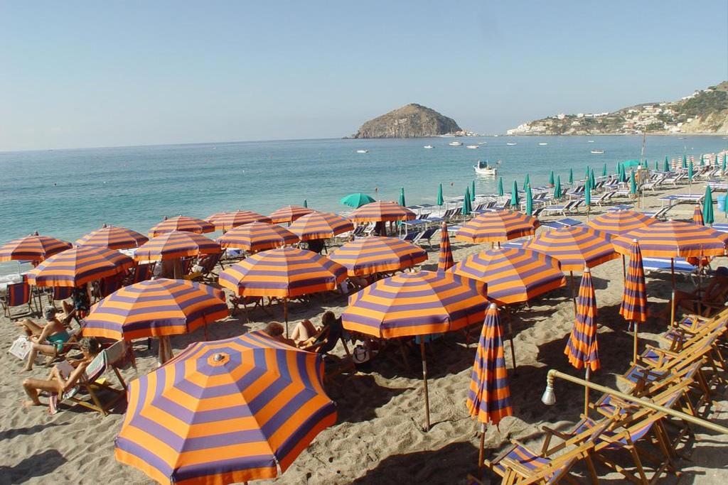 hotel-la-madorla-ischia-maronti-spiaggia-2