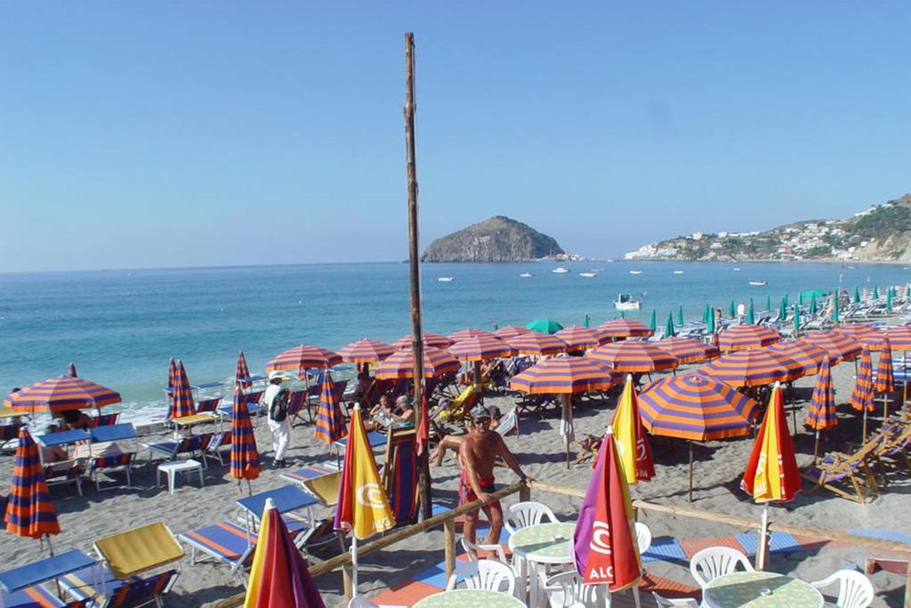 hotel-la-madorla-ischia-maronti-spiaggia-3