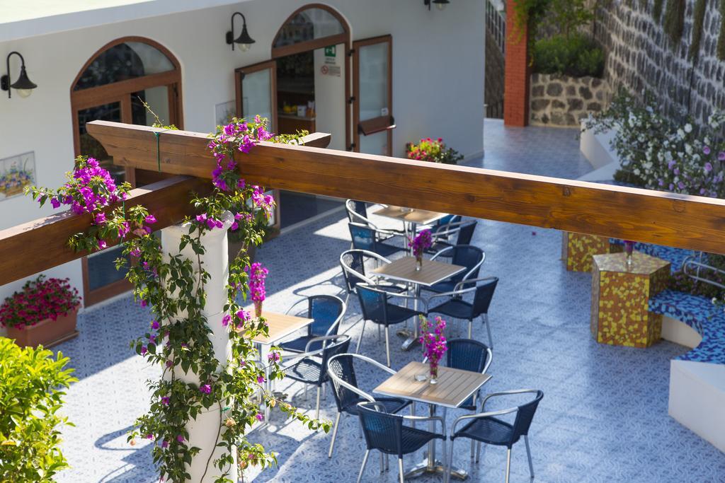 hotel-la-madorla-ischia-maronti-terrazza