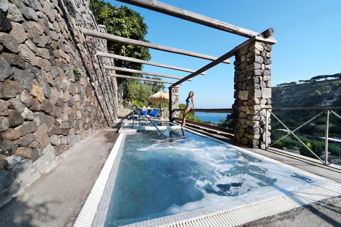 Hotel-san-lorenzo-lacco-ameno-ischia-terme-piscina-kneipp