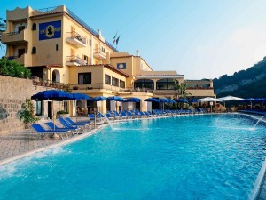 Hotel-san-lorenzo-lacco-ameno-ischia-terme-piscina
