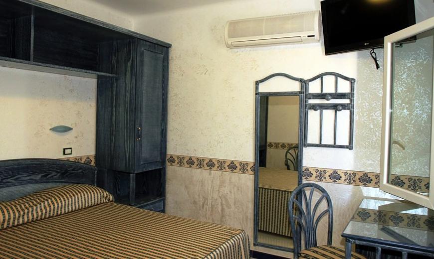 hotel-baia-delle-sirene-forio-camera2