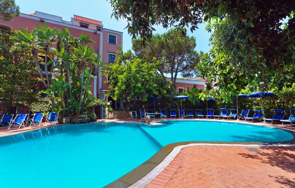 hotel-san-valentino-terme-ischia-piscina-3