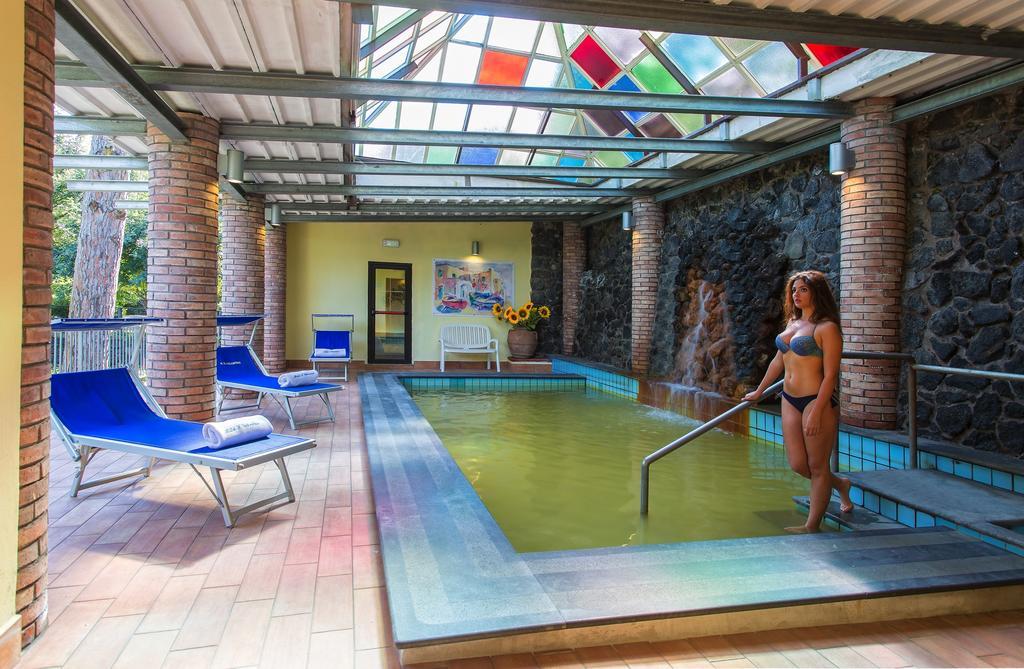 hotel-san-valentino-terme-ischia-piscina-interna-1