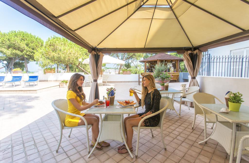 hotel-san-valentino-terme-ischia-esterni-bar