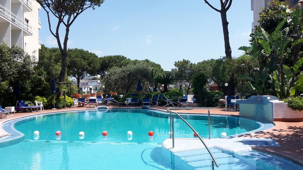 hotel-san-valentino-terme-ischia-piscina