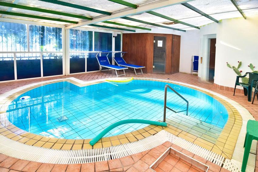 oriente-piscina-coperta