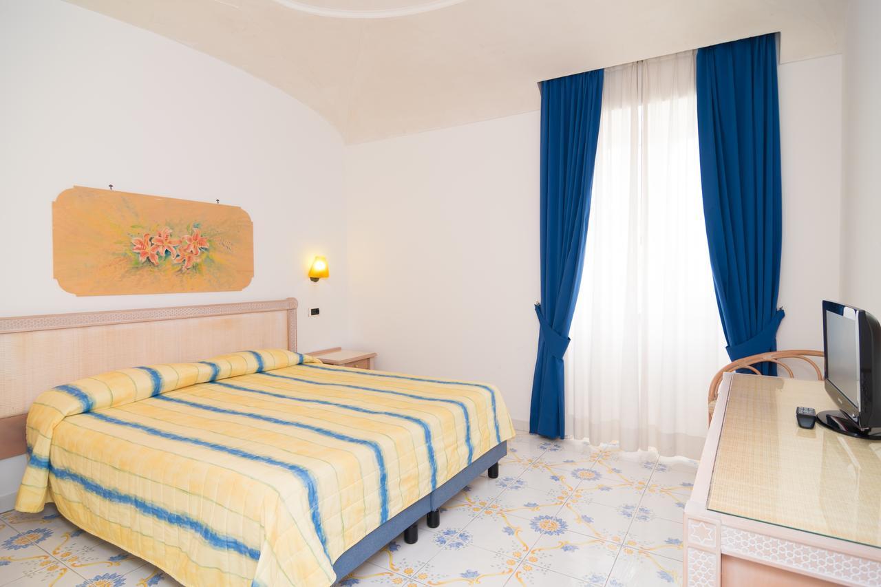hotel_terme_oriente_ischia_piscina_camera