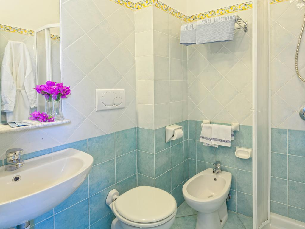 hotel-cleoptra-ischia-bagno