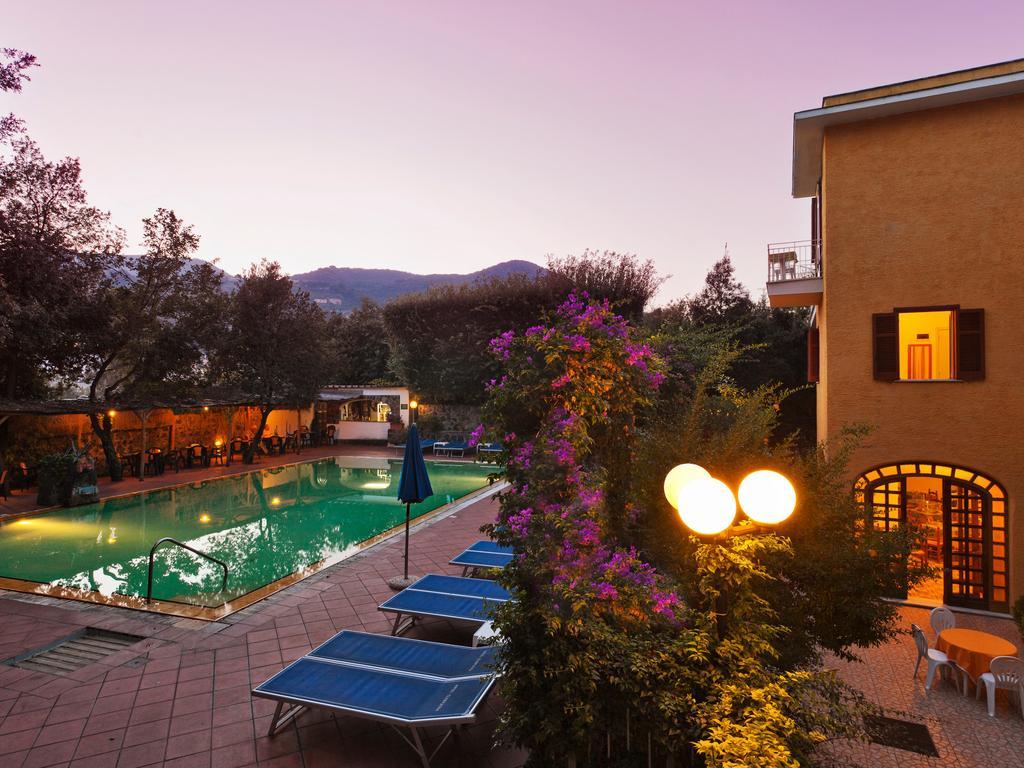 hotel-cleoptra-ischia-esterni