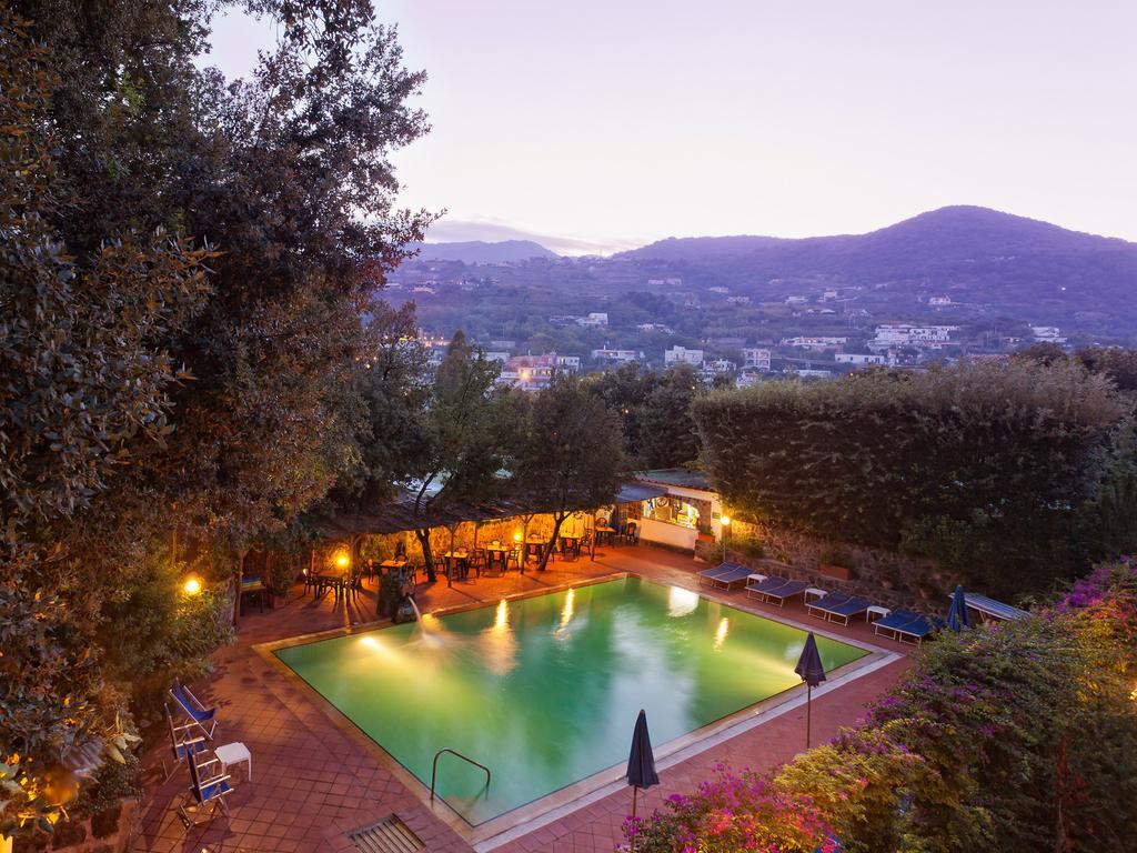 hotel-cleoptra-ischia-piscina-2