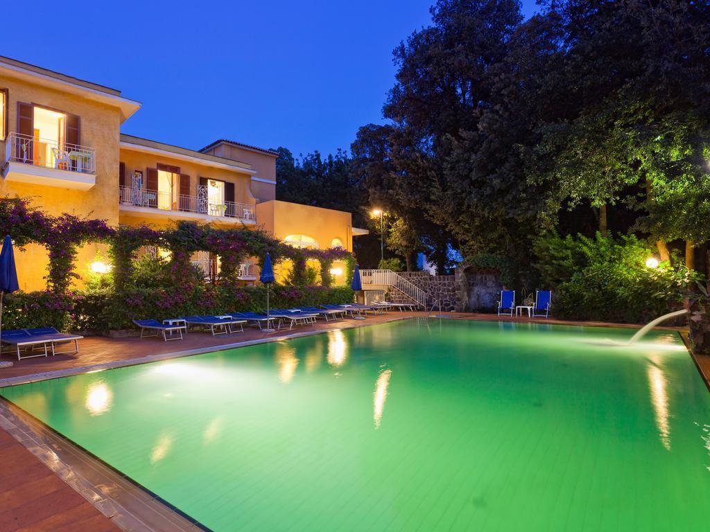 hotel-cleoptra-ischia-piscina-3