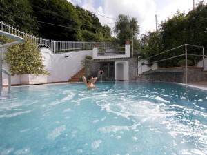 hotel-terme-fiola-casamicciola-piscina-esterna