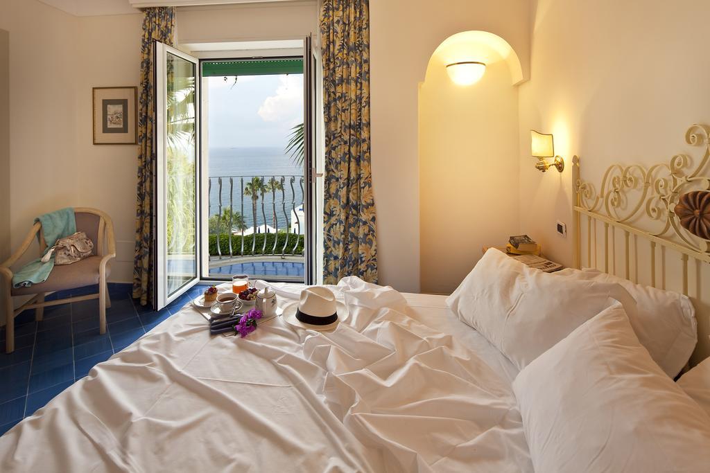 hotel-continental-mare-ischia-camera1