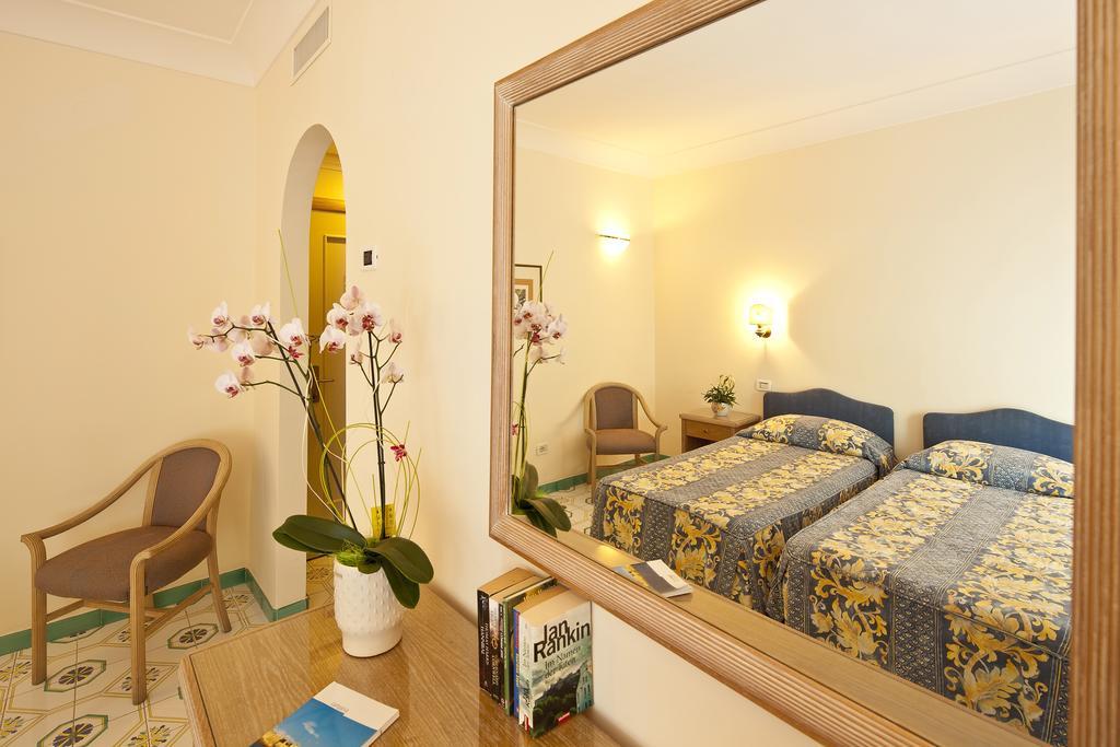 hotel-continental-mare-ischia-camera6