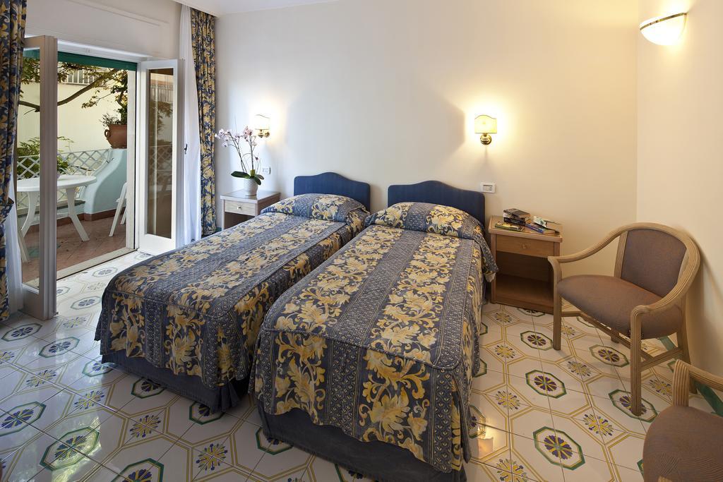hotel-continental-mare-ischia-camera7