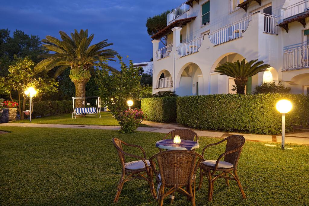 hotel-continental-mare-ischia-esterno1