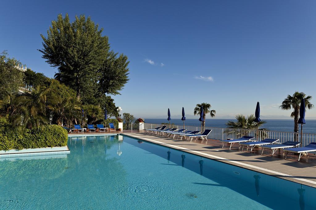 hotel-continental-mare-ischia-piscina