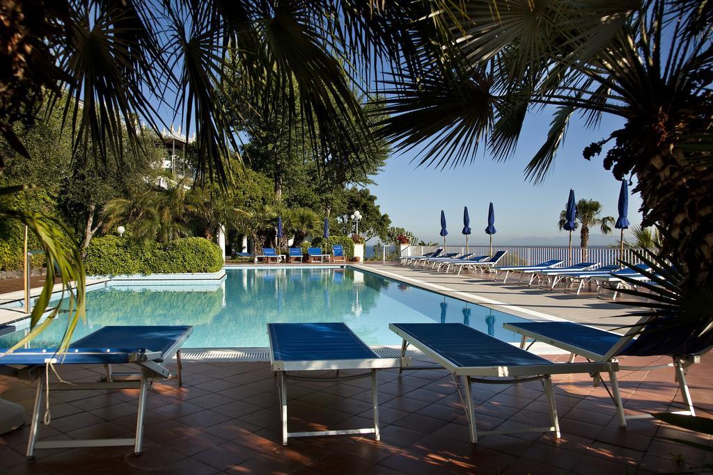 hotel-continental-mare-ischia-piscina1