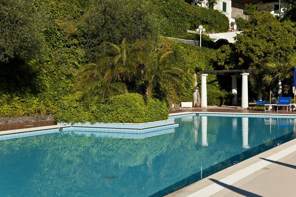 hotel-continental-mare-ischia-piscina2